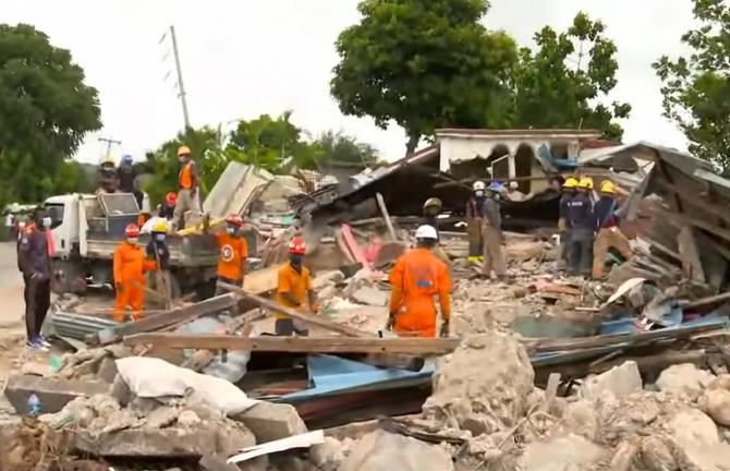 Cutremur în Haiti. Noul bilanţ: Cel puţin 1.941 de morţi