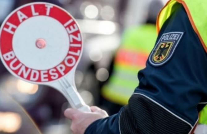 Germania. Șofer român de camion, implicat într-un grav accident grav. Șase persoane au fost rănite