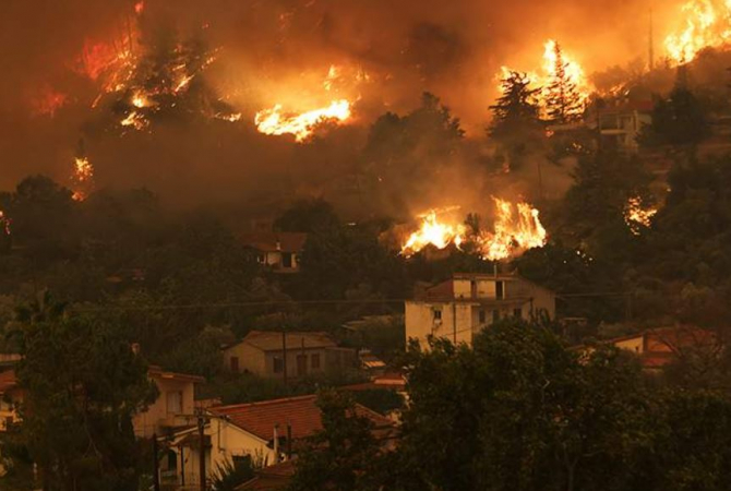 Incendii în Grecia. Guvernul promite până la 150.000 de euro pentru fiecare familie care a rămas fără casă