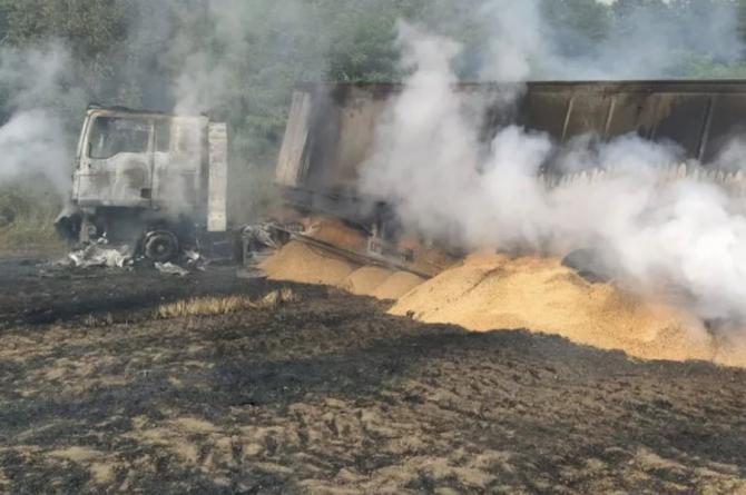 Incendiu devastator în România. Peste 35 de hectare de grâu au fost cuprinse de flăcări Sursa - ISU Husi