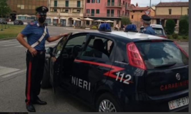 Italia. O româncă și-a abandonat fiica minoră într-o parcare și a plecat să întrețină relații sexuale cu un bărbat