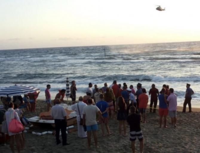 Italia. ROMÂN, găsit MORT pe o plajă. Descoperirea MACABRĂ a fost făcută de un TURIST. FOTO: captură casertanews.it