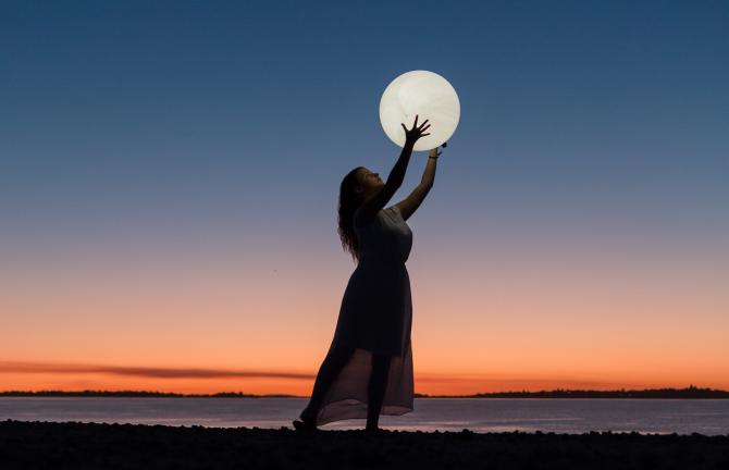 Luna Plină în Vărsător, din 22 august, dă tot horoscopul peste cap: Cele mai ambițioase planuri ale Peștilor devin realitate