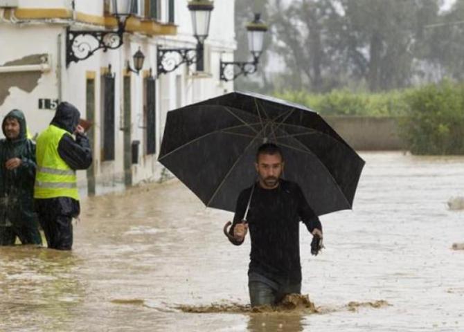MAE, atenționare pentru românii care călătoresc în Spania. Coduri galben şi portocaliu de caniculă, ploi torenţiale şi grindină