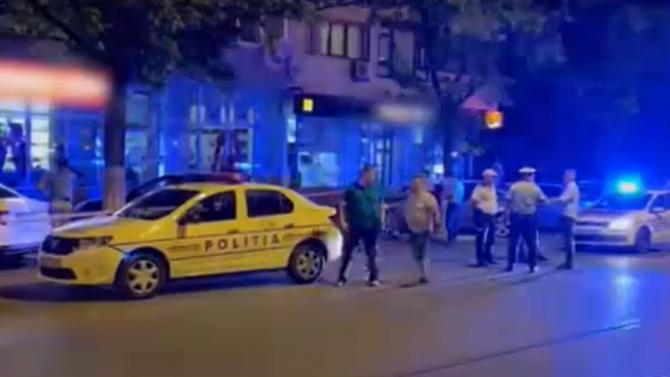 """Mama gemenilor din Ploiești care au murit după ce au căzut de la etajul zece spune că nu aveau cum să deschidă geamul: """"Era rabatat"""""""