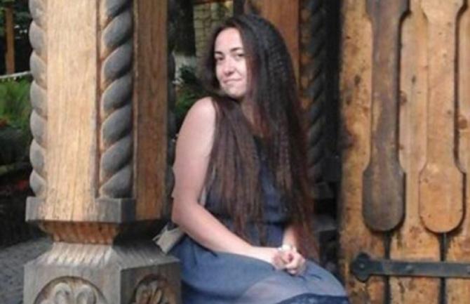 Mămică româncă, ucisă de față cu fetița ei de 3 ani. Călăul Ramonei, condamnat la închisoare pe viață