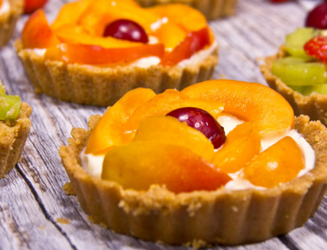 Minitarte cu fructe, fără coacere. O rețetă simplă și delicioasă