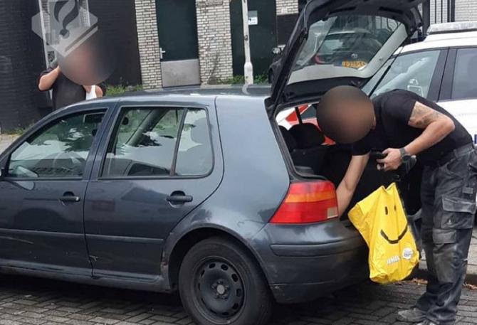 """Olanda. Muncitori români, prinși cu o mașină fantomă: """"Este aproape imposibil de urmărit"""""""