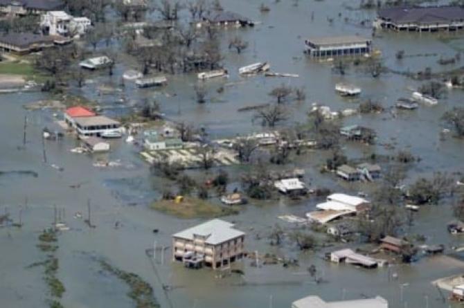 Opt moți în urma inundațiilor și a alunecărilor de teren, provocat de uraganul Grace în Mexic