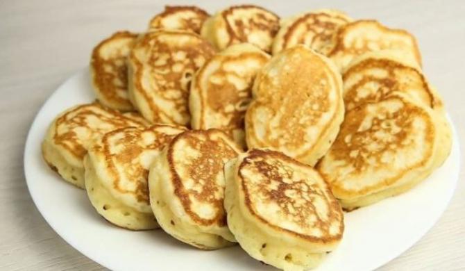 Pancakes din mere și dovlecei. O rețetă simplă pentru un desert delicios și sănătos