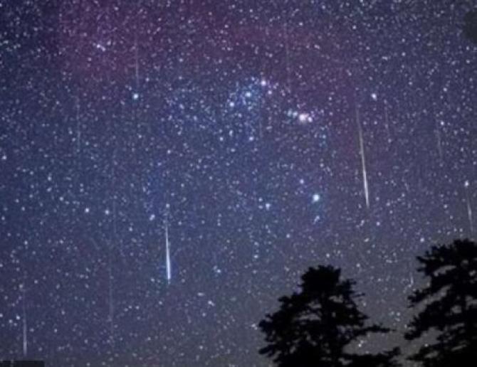 Perseidele, un fenomen spectaculos în noaptea de 12 spre 13 august