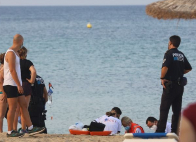 Spania. Româncă, moartă în timp ce era cu familia la plajă. FOTO: captură cronicabalear.es