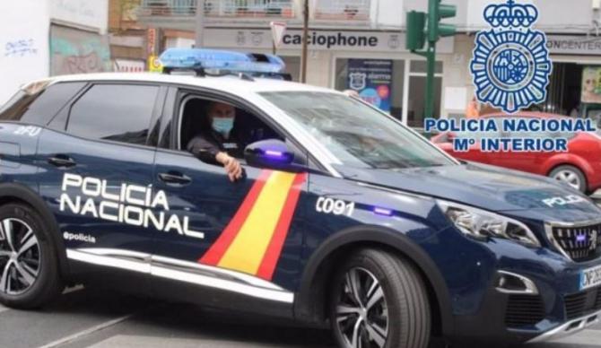 Spania. Un hoț român a golit un apartament, situat la etajul trei. A furat toate aparatele electrocasnice și farfuriile