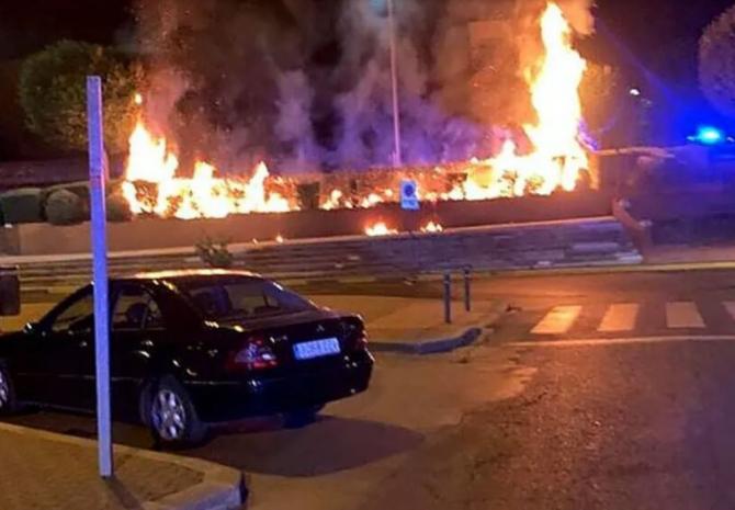 Spania. Un român piroman ar putea ajunge în închisoare. Bărbatul a incendiat o stație de autobuz