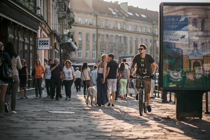 Studiu CES: Românii și grecii, printre europenii prea săraci să meargă într-o vacanță