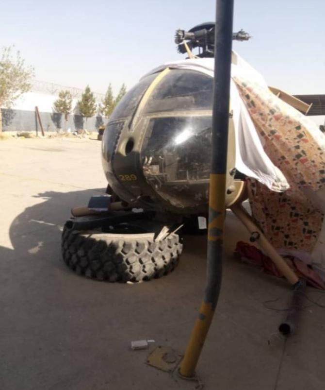 Talibanii au pus mâna pe armament american, avioane, arme și ochelari cu vedere nocturna