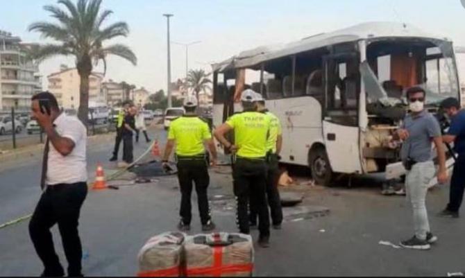 Tragedie în Turcia. Un autobuz cu turişti s-a răsturnat. Trei persoane au murit pe loc, iar alte 16 au fost rănite