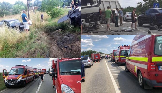 Trei morți şi patru răniți într-un accident teribil dintre patru autoturisme și un TIR, în Timiș