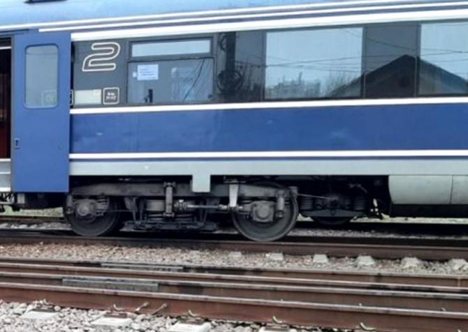 Un bărbat, accidentat de un tren care circulă pe relaţia Braşov - Constanţa