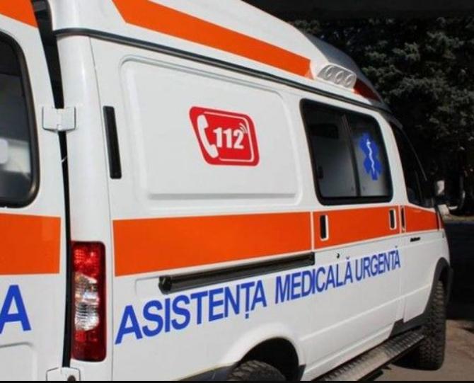 Un muncitor a murit, iar altul e în stare gravă, după ce s-au intoxicat cu gaze într-un canal tehnic la Galati