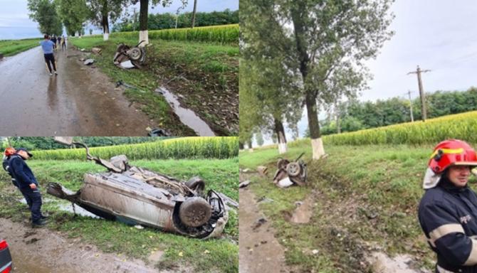Un șofer român şi-a rupt maşina în două într-un cap de pod