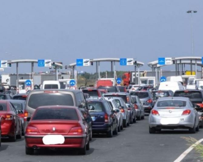 Vămile, luate cu asalt. Peste 104.200 de români au părăsit țara în ultimele 24 de ore