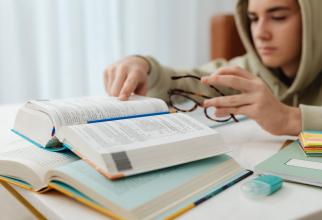 Reguli noi pentru studenții care vor cazare la cămin