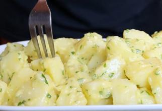 Cartofi aioli de casă. Rețeta tradițională ușoară și foarte gustoasă. FOTO: captură YouTube @Spain on a Fork