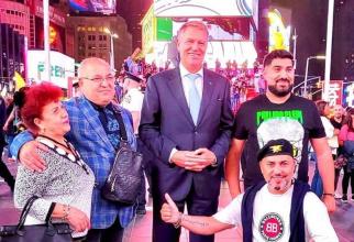 Manelistul Sorinel Puștiu, poză alături de Klaus Iohannis, în New York
