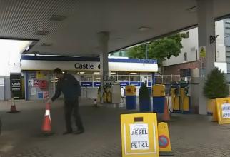 Șoferii din Marea Britanie se bat în benzinării