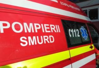 O româncă s-a aruncat de pe balcon cu echipajele SMURD în casa
