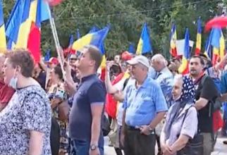 Protest în Piața Universității față de restricțiile impuse în școli