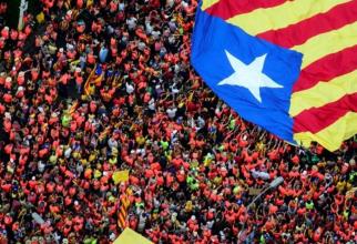 Spania Zeci de mii de catalani au manifestat pentru independenţă la Barcelona