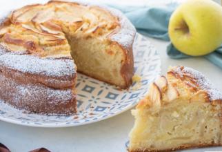 Tort de mere, rețeta tradițională. Aroma de altădată care-ți aduce aminte de bucătăria bunicii