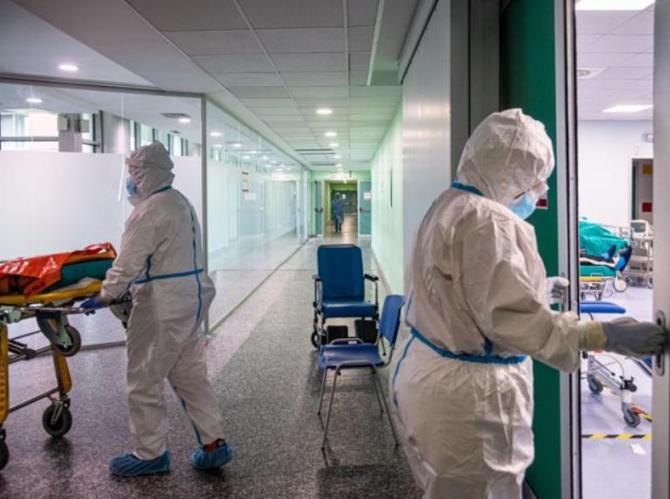 Bilanț Italia 15 septembrie Aproape 5.000 de cazuri noi COVID și 73 de decese, raportate într-o zi. Lombadia, cea mai afectată