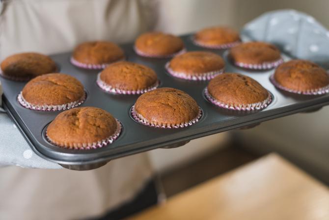 Brioșe pufoase, FĂRĂ ZAHĂR! Ideale pentru prânzul de la școală al copiilor și nu numai! Trebuie să le încerci!