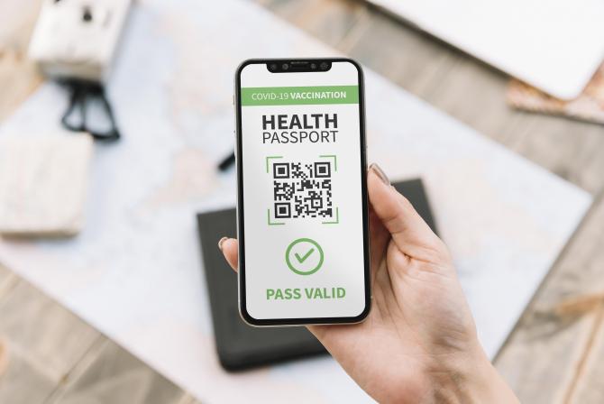 Franța se pregătește să introducă permisul de sănătate