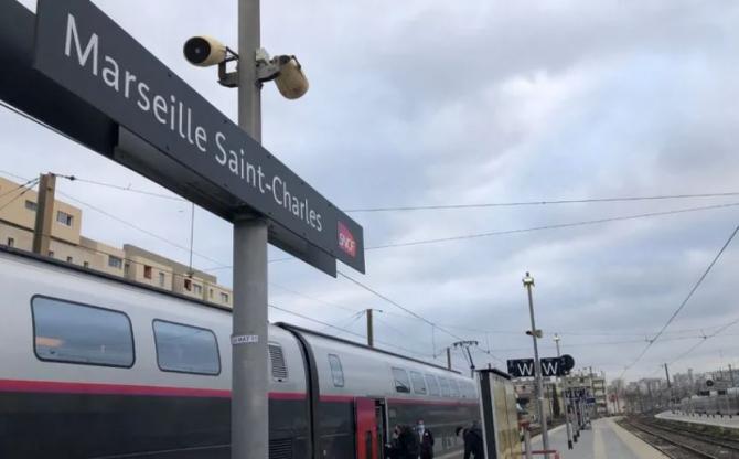 Un ambulanțier s-a aruncat în fața trenului din cauza cămătarilor