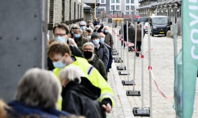 Fără măști și fără pașaport sanitar. Autoritățile ridică toate restricțiile