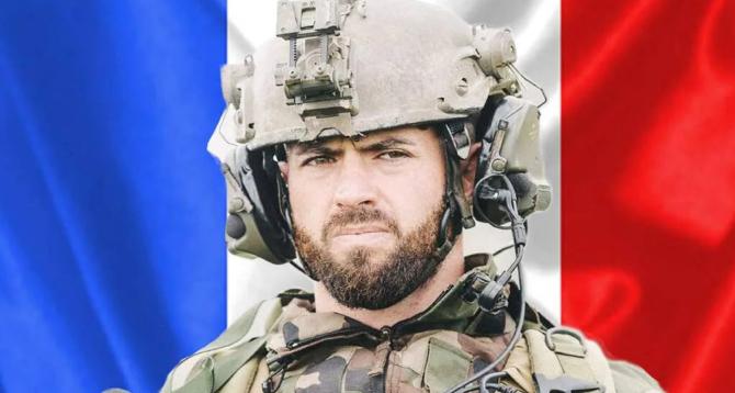 Franța. Iubita militarului UCIS în Mali vrea să se căsătorească post-mortem. Femeia cere ACORDUL lui Macron. FOTO: captură ouest-france.fr