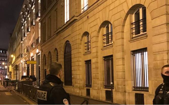 Franţa  Magazin din centrul Parisului, jefuit. Hoții au furat bijuterii în valoare de 10 milioane de euro