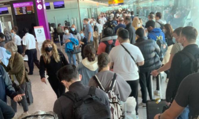 Românii pot intra în Marea Britanie doar cu pașaportul