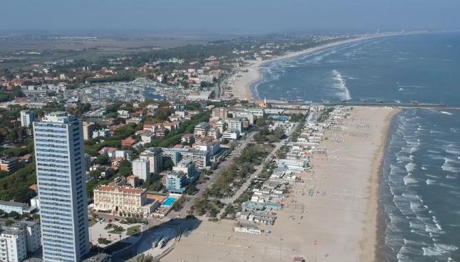 Italia. ROMÂN, ESCROCHERIE cu apartamente de închiriat pe plajă. Cum a obținut bărbatul MII de EURO