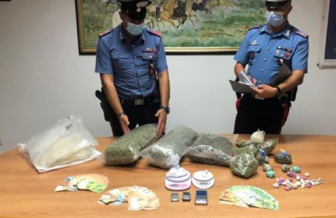 Un român din Italia, arestat pentru trafic de droguri