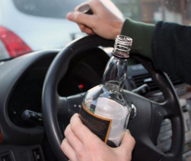 Mai mulți șoferi, trimiși să lucreze o zi la morgă, după ce au fost prinși băuți la volan