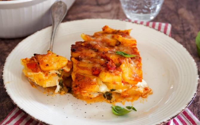 Musaca italiană, cu cartofi și parmezan. O rețetă pur și simplu delicioasă