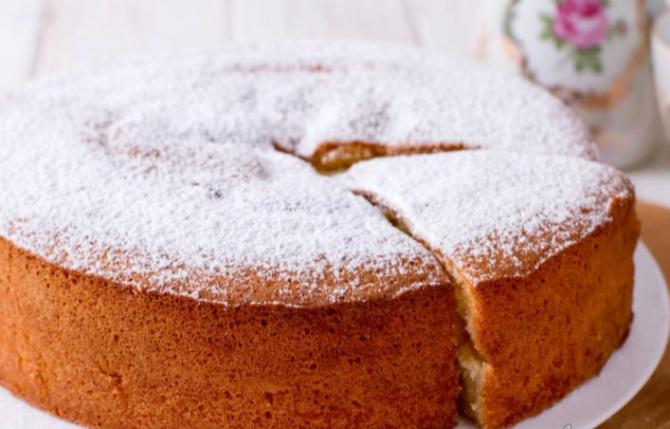 Prăjitura cu apă. Este gata într-o clipa și cu doar 170 de calorii