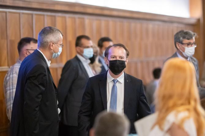 """Şedinţa de Guvern, suspendată. USR-PLUS cere scoaterea de pe ordinea de zi a programului """"Anghel Saligny"""", Cîțu nu vrea"""