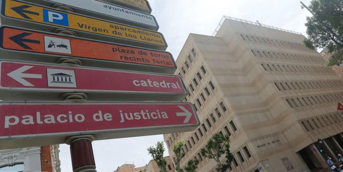 Spania. Șase muncitorii români, traficați și exploatați de doi conaționali. Oamenii trăiau în condiții insalubre și munceau fără a fi plătiți