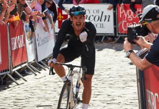 Un ciclist celebru din Anglia, tăiat și lovit în timpul unui antrenament
